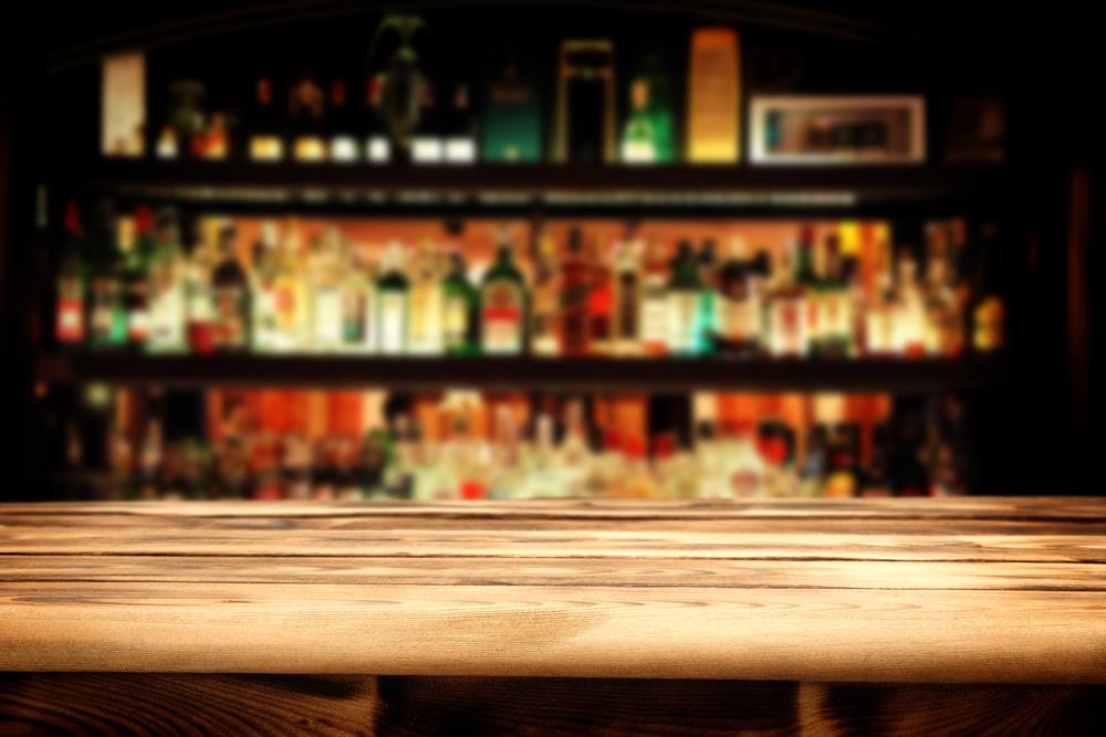 いきつけの飲み屋を作り、一人で飲みに行く