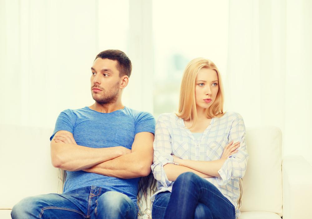 会話中に女性が男性にイラつく瞬間